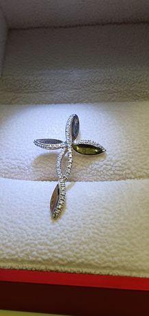 Златен кръст с диаманти 18к - 48 диаманта