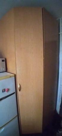 Угловой шкаф в прихожую