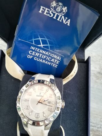 Vand ceas Festina model f15560/1 sau schimb
