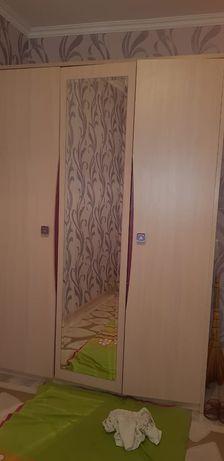 Шкаф Высокий до потолка