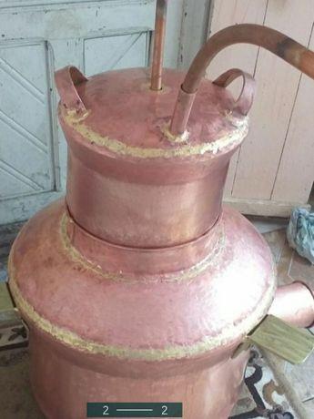 Vand un cazan de tuica din cupru alimentar are 100 de litri cu fundu d