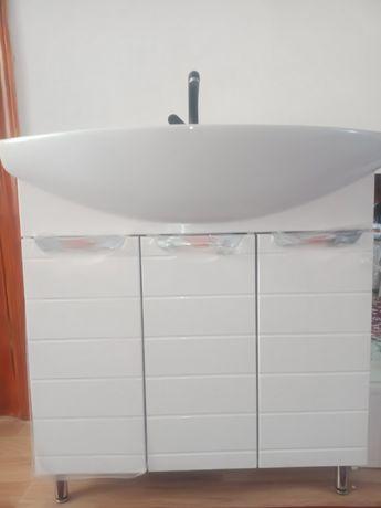 Ракфина ванна туалет ористон жана колданылмаган бирак орнатылып тур ))