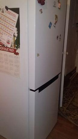 Холодильник сатылады индезит