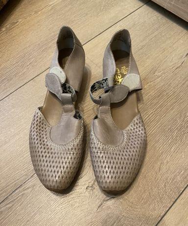 Vând pantofi dama piele rieker