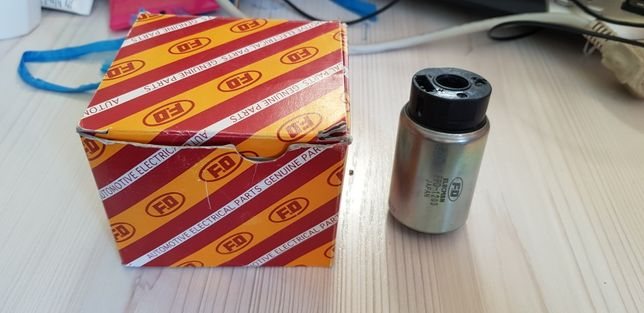Продам новый бензонасос от камри 40