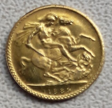 Monezi vechi, dintr-un material asemănător aurului