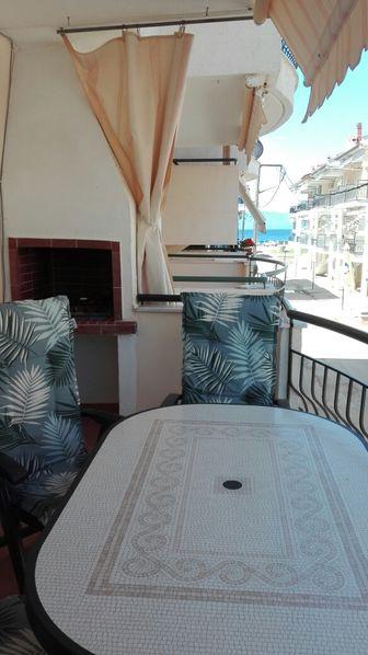На море в Гърция, Паралия Офринио - апартамент под наем до 6 души гр. София - image 1