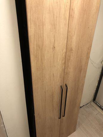 Продам шкаф в коридор/прихожую