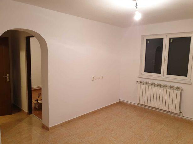 Inchiriez apartament 3 camere MILITARI-GORJULUI et 1/4, semidecomandat