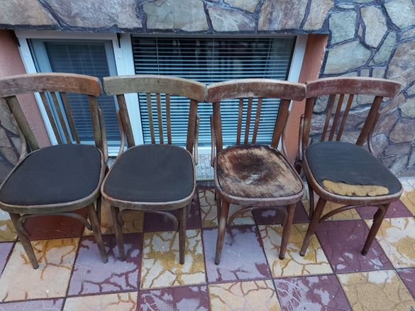 Продавам  11 стола и закачалка