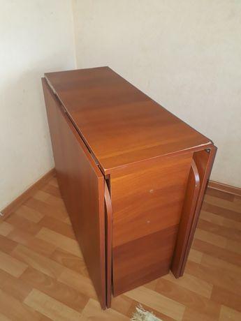 Срочно продам стол раскладной