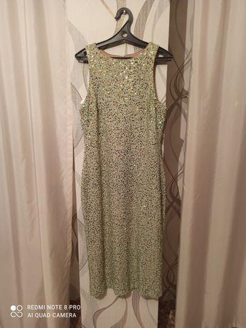 Продам новое платье 20000 тыс.