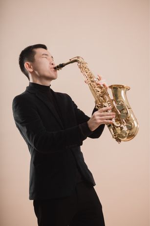 Саксофонист на мероприятие выступление