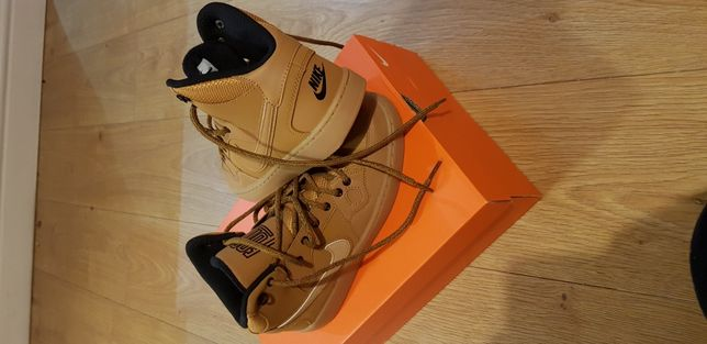 Nike Son of Force Mid nr.36