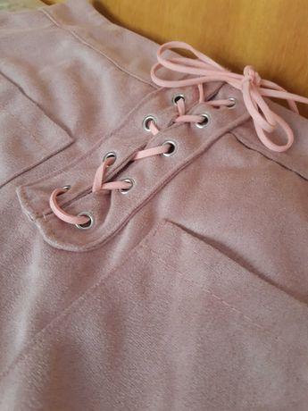 НОВИ Велурени къси поли, М-размер