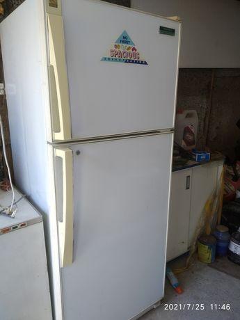 Продам холодильник 35000