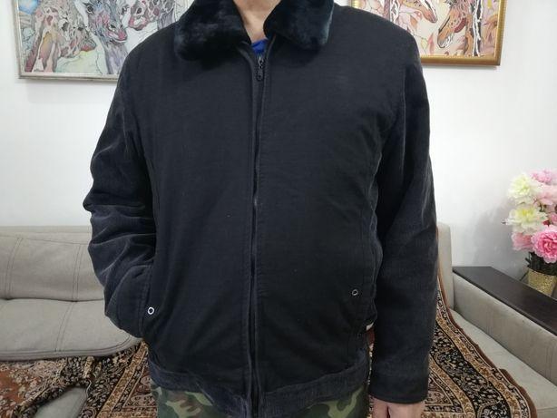 Куртка  зимняя с меховым воротником