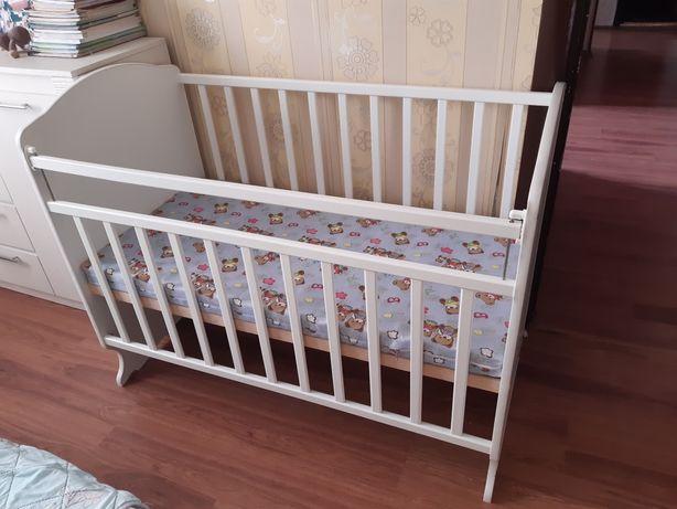 Продаю кроватку. Гульдер 1