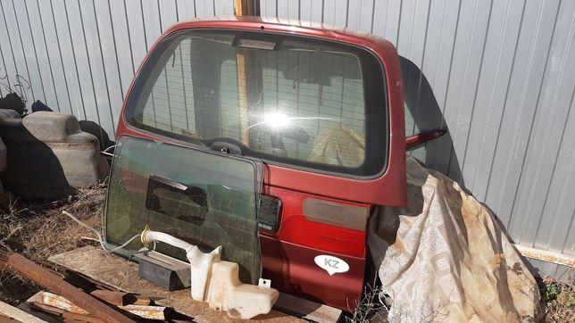 Крышка багажника на шаран или форд галакси