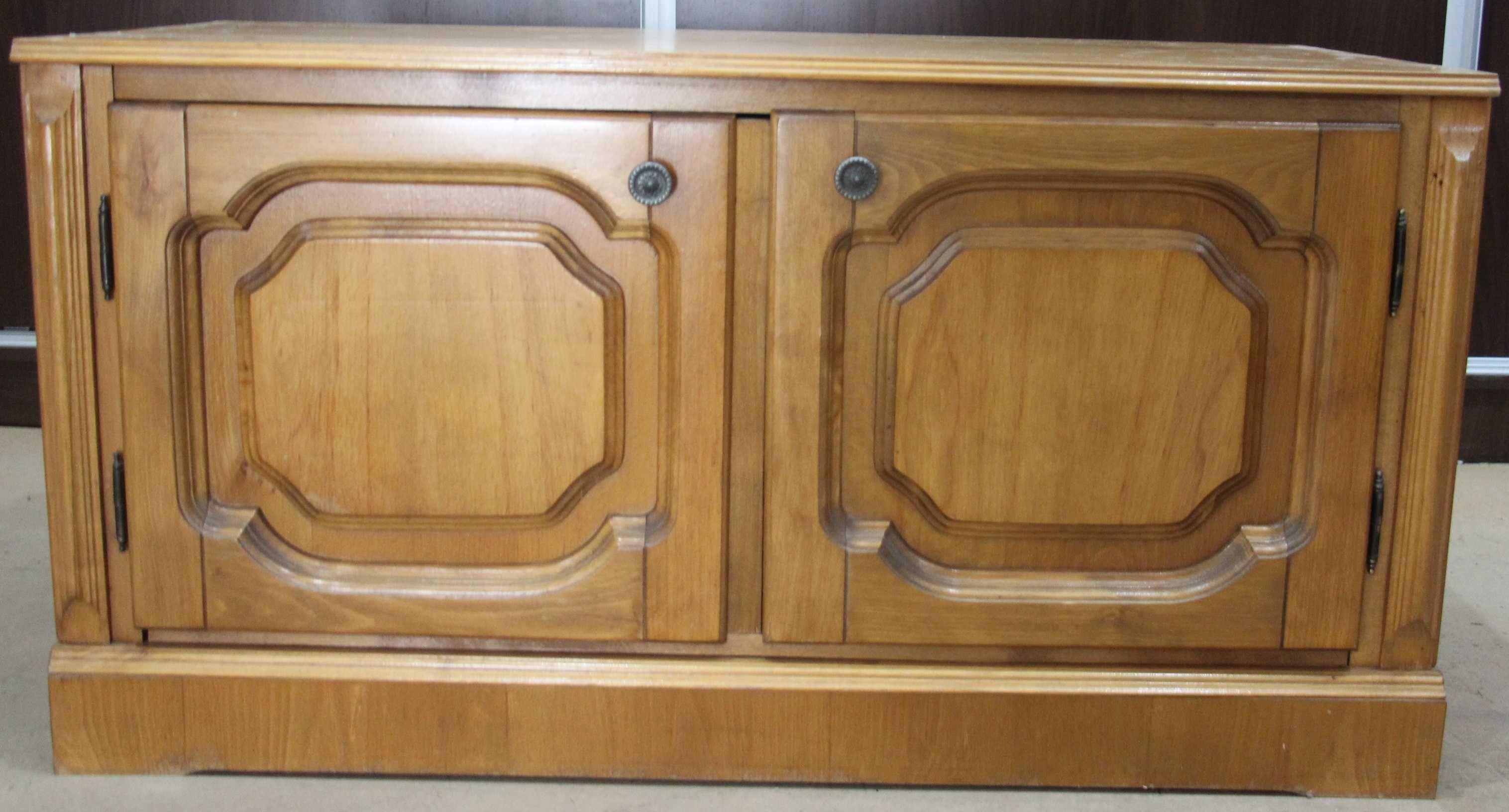 Comoda vintage lemn masiv; Dulapior cu 2 usi si raft
