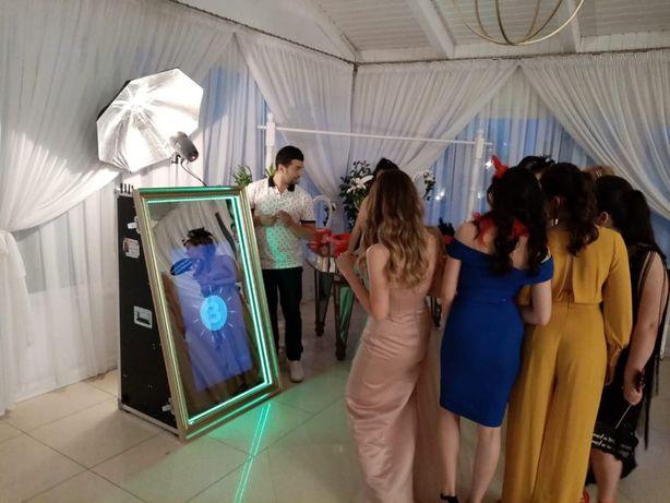 Oglinda magica / Cabina foto de inchirirat