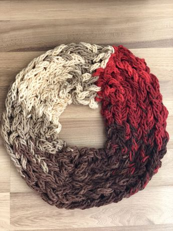 Уникални ръчно плетени шалове
