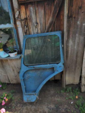 Продам  правую дверь трактора МТЗ 80 Белоруссия  35 000тг