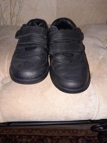 Продам детские туфли на мальчика