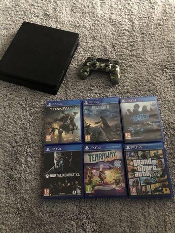 PlayStation 4 slim !