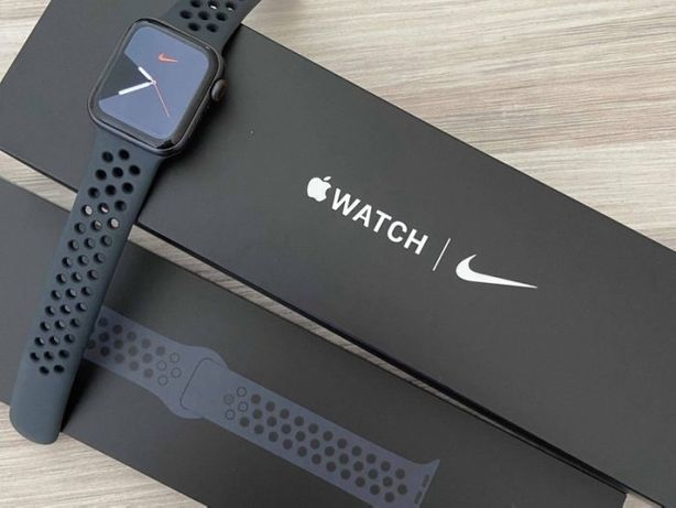 Apple watch 5 44mm Nike black