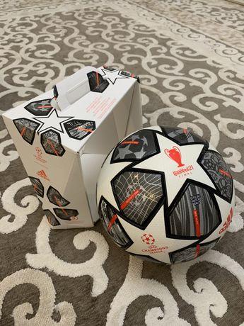 Футбольный мяч Адидас ЛЧ Финал 21 , Finale 21 20th Anniversary UCL OMB