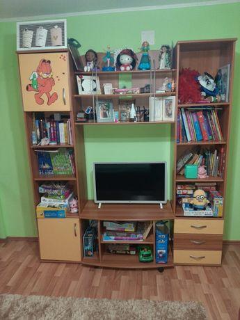 Mobila camera copii: pat, sifonier, biblioteca, noptiera
