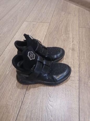 Продам детские ботинки на девочек, размер 32