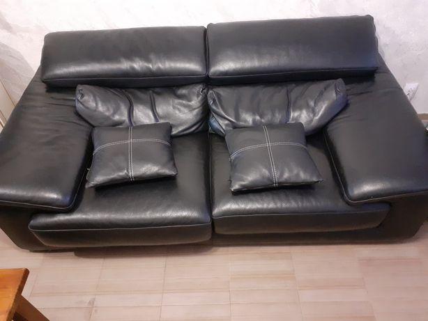 Vand canapea din piele noua : canapeaua este cumpărată anul trecut ...