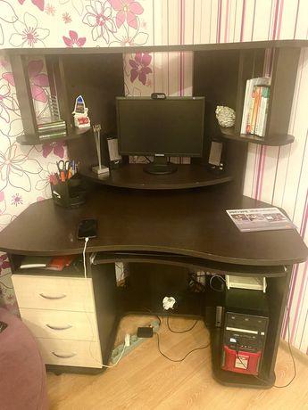 Компьютер со столом