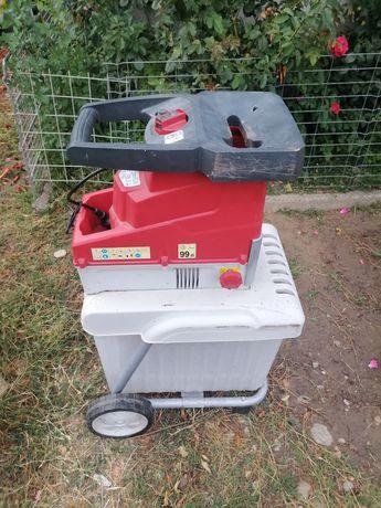 Mașina electrica tocatoare resturi vegetale crengi