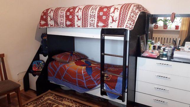 Продам детский  двухярустный кровать