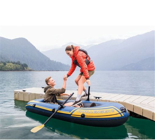 Новая в упаковке 2 местная лодка,отличного качества,читайте описание