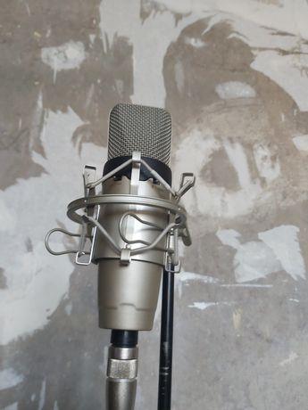 Продается студийный микрофон ICON O3 ,  Паук, стойка и поп фильтр .