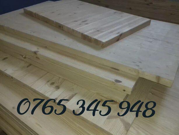 Firma vindem blaturi din lemn de pin cu lamela perfect finisate