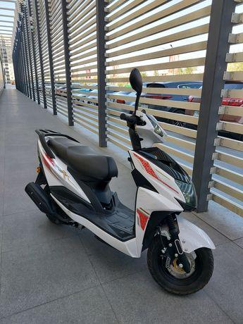 Мопед Yamaha Liya 125 скутер ямаха 125