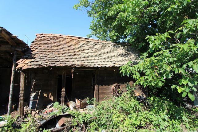Vând casă de lemn veche (+120 ani)