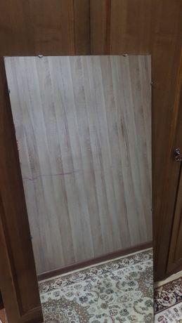 Зеркало настенное фабричное