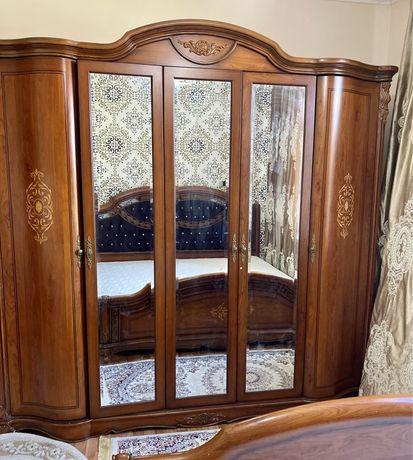 Гарнитура для спальной комнаты комплект Дубай