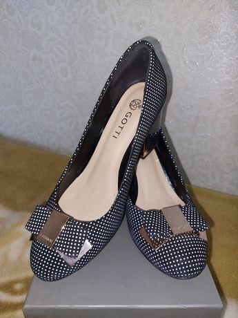 Продам туфли Gotti