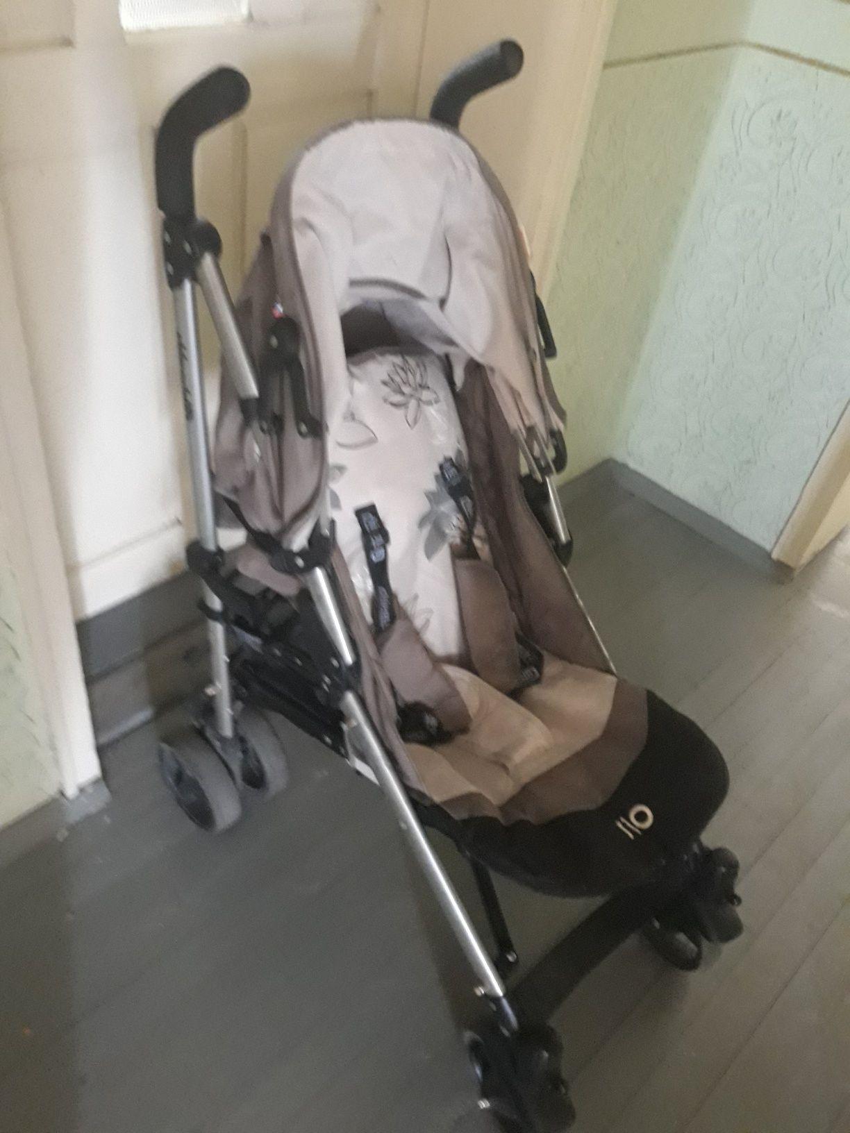 Продава детска количка