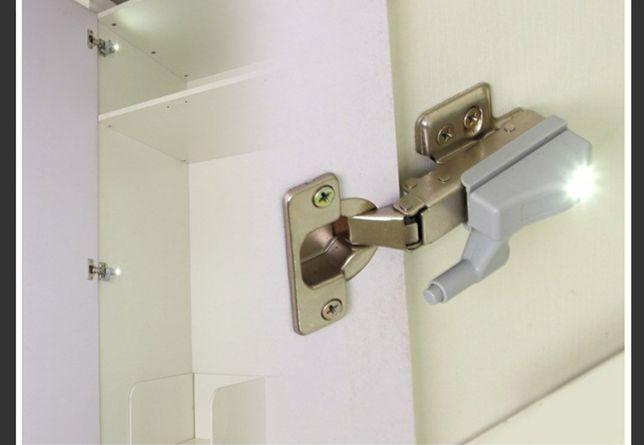 Lampă automată cu LED, pentru balamale ușilor.