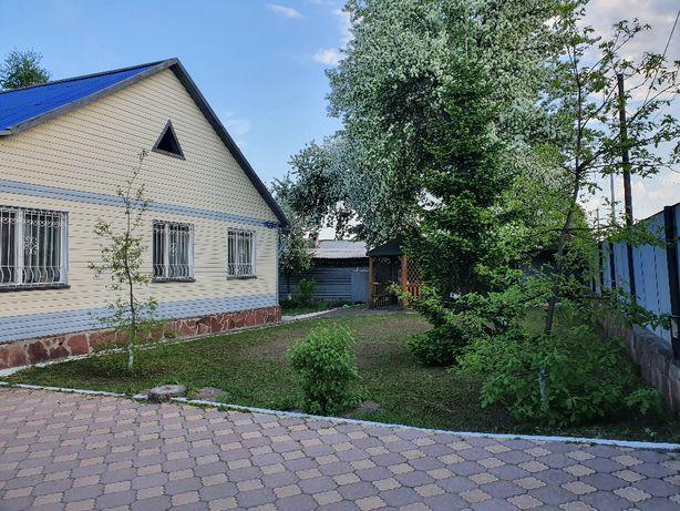 Продам 4-х комн. благоустроенный дом в центре