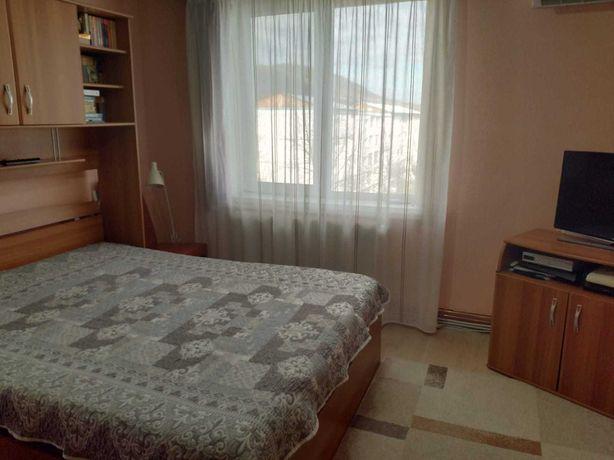 Apartament 4 camere str Oituz
