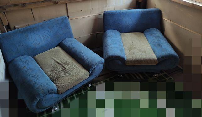 Кресла в хорошем состоянии.